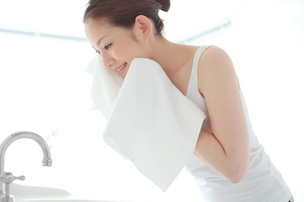 よく顔を洗う